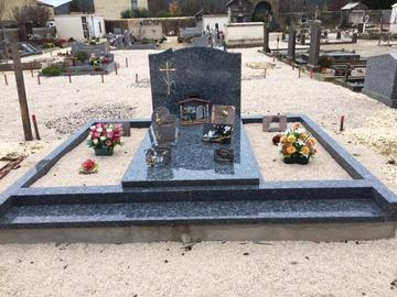 Quels produits de nettoyage pour une tombe en granite ?