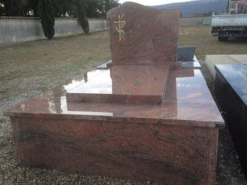 Comment nettoyer un monument funéraire en marbre ?